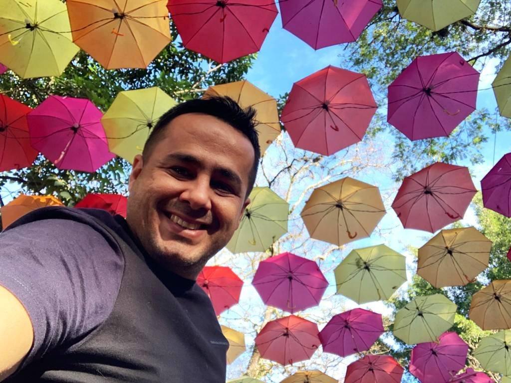 Foto de Gabriel Viana, fundador da empresa Gabriel Pedras